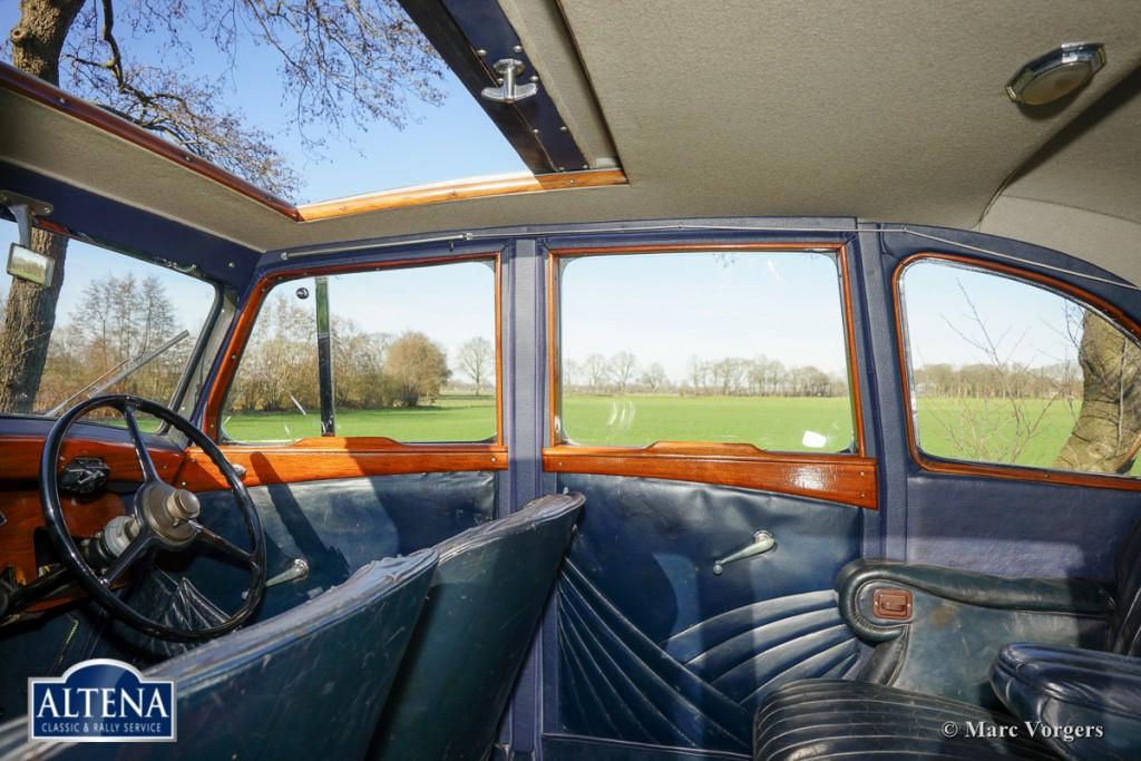 Rover 14 HP Streamline saloon